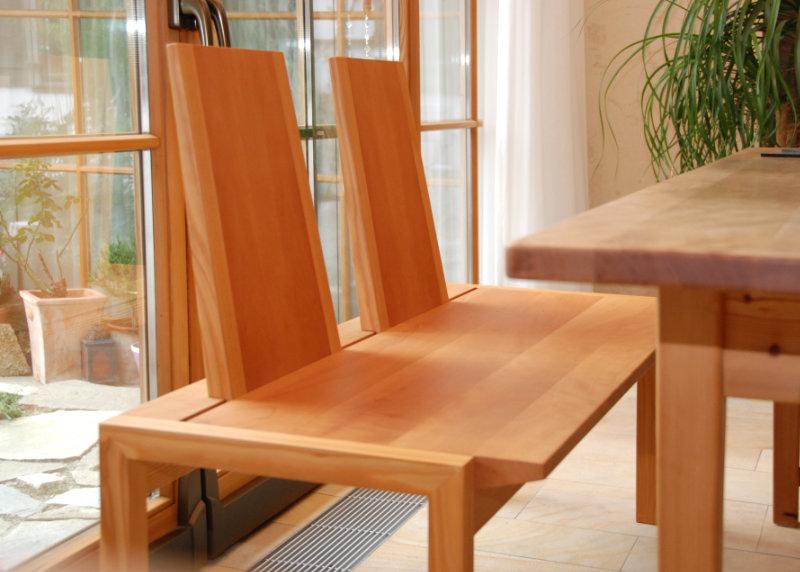 Gemütliche Holzbank fürs Esszimmer