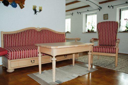 Handgefertigte Polstermöbel im Landhausstil