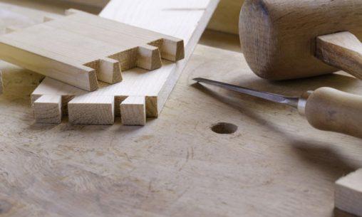 Die Schwalbenschwanzverbidung ist eine alte Holzverbidungen