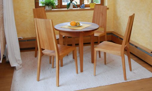 Kleiner Tisch nach Maß | Schreinerei Saringer