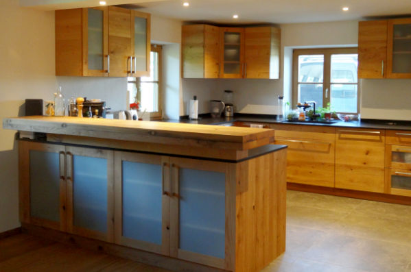 Küche mit Küchenblock vom Schreiner