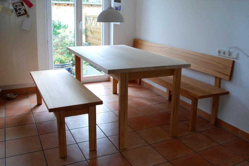 Tisch mit Bank nach Maß in Buche und Ahorn